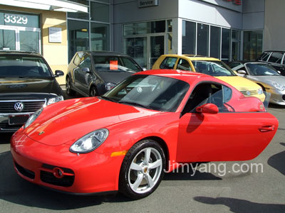 red porsche cayman
